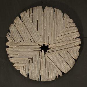 sculpture murale en carton cannelé de Pierre Ribà en vente dans le store de la galerie 22 contemporain