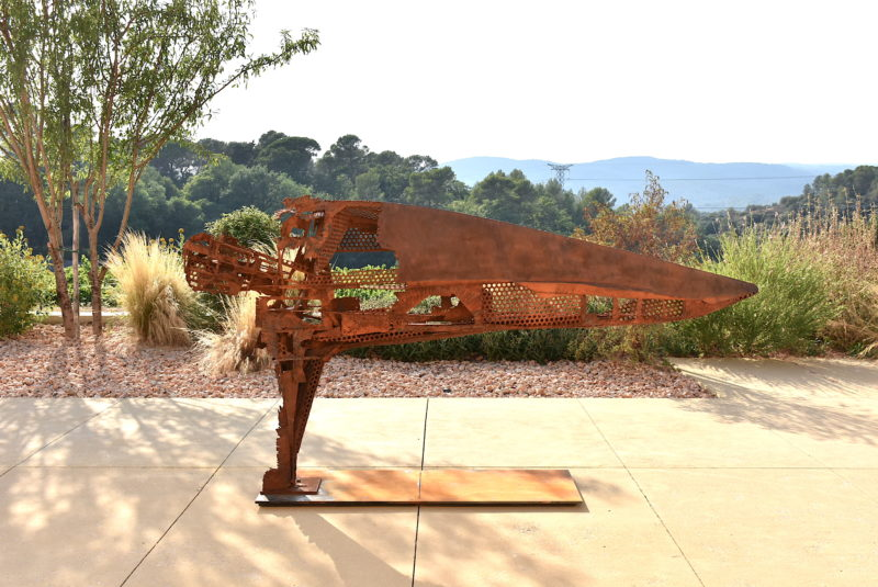 metal sculpture by Julien Allègre for the outdoor garden to buy in the shop of the gallery 22 contemporain