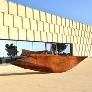 sculpture extérieure en corten et laiton de Julien Allègre en vente dans la boutique de la galerie 22 contemporain