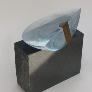 sculpture contemporaine en verre de christian von sydow disponible dans la boutique en ligne de la galerie 22.