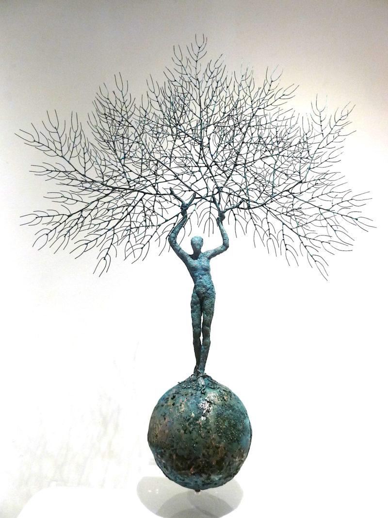 sculpture figurative contemporaine en cuivre sur socle en vente dans la boutique en ligne de la galerie 22