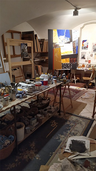 canvas in the studio of the artist Danielle Prijikorski available for sale in the store of the gallery 22 contemporary