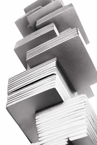 stainless steel sculpture by Félix Valdelièvre