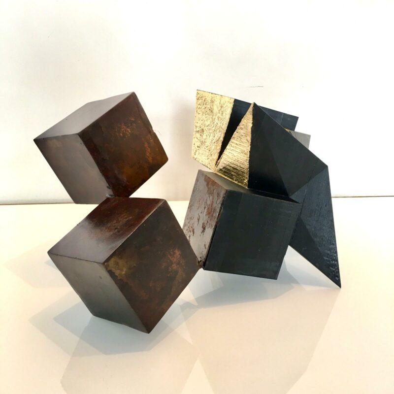 sculpture metal et feuille d or contemporaine de sebastien zanello