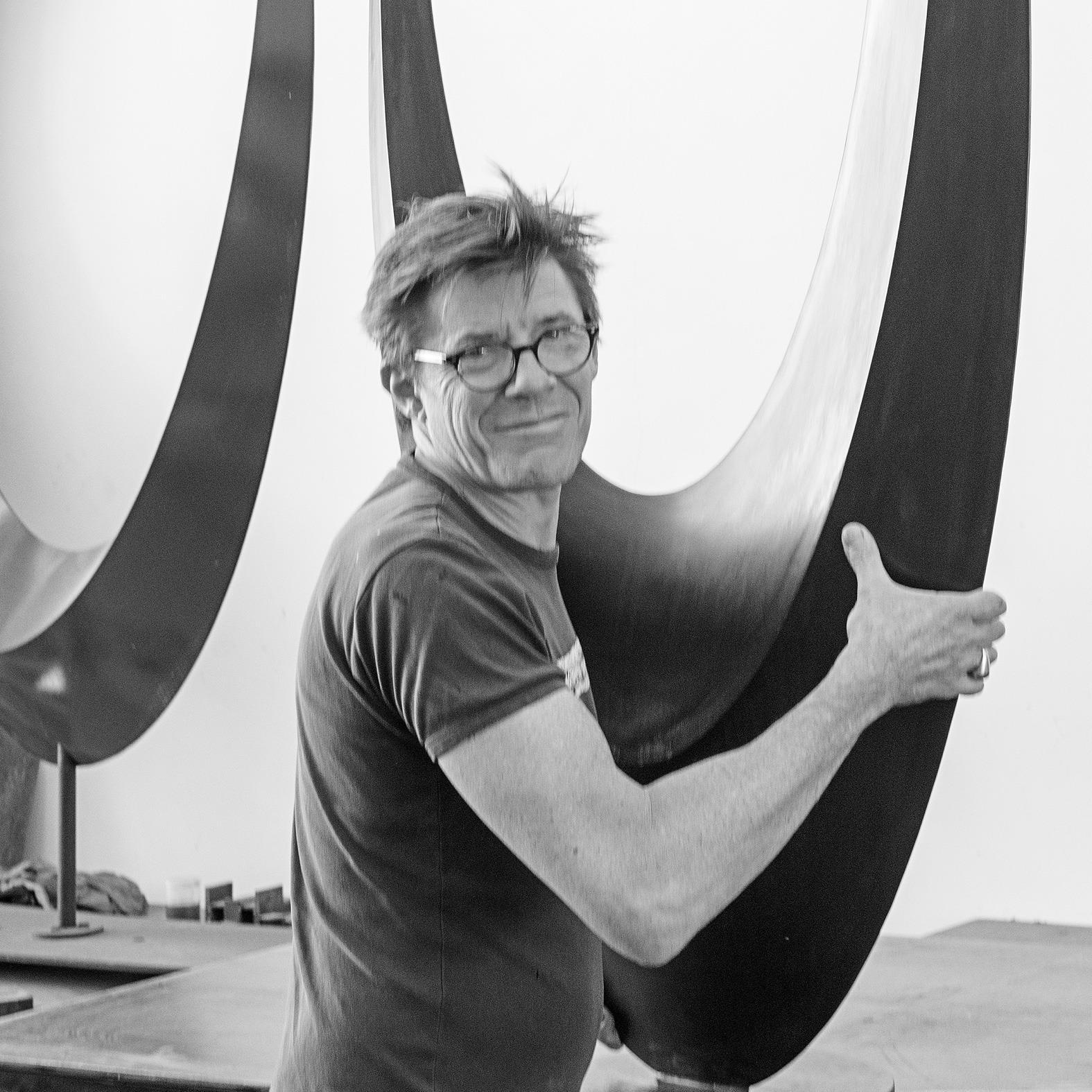 francis guerrier artiste sculpteur sur metal de la galerie 22